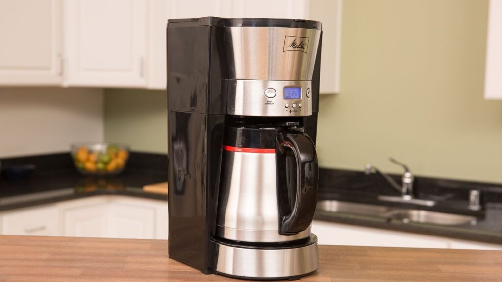 automatic drip coffee maker with thermal carafe